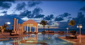 H-sandals_royal_caribbean_and_offshore_island-1361