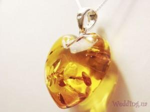 Что подарить на янтарную свадьбу